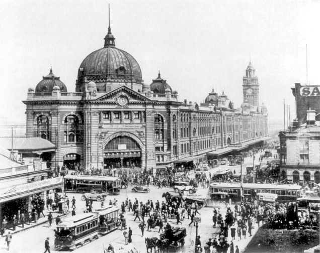 755px-swanston_and_flinders_st_intersection_1927